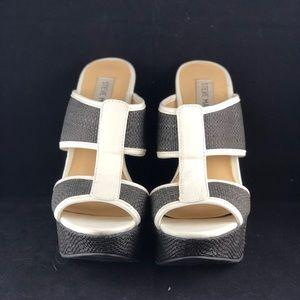 Steve Madden wedges 6.5 denim & white peep toe